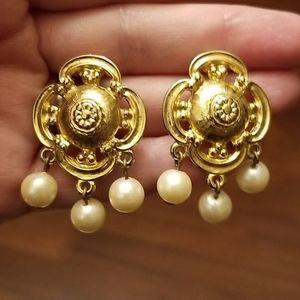 Vtg Faux Pearl Clip Earrings